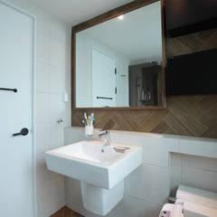 일산 강선마을 벽산아파트 58평형: MID 먹줄의  화장실