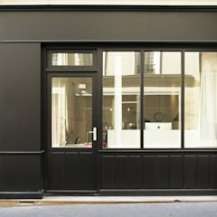 façade : Fenêtres de style  par Studio Pan