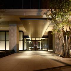 Entrance: WORKTECHT CORPORATIONが手掛けた家です。,モダン