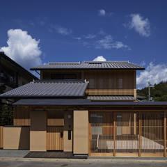 Casas de estilo  por 空間工房 用舎行蔵 一級建築士事務所