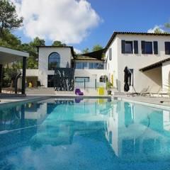 Rénovation et décoration d'une villa au Nord de Montpellier, Parcs des Vautes: Maisons de style de style Classique par LEWISA home
