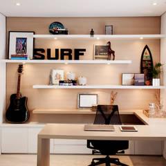 Apartamento Vila Olímpia: Escritórios  por Helô Marques Associados