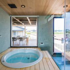 ふつつの芽: murase mitsuru atelierが手掛けた浴室です。