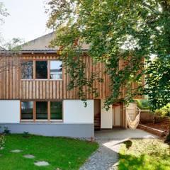 031-13 Umbau Gartenhaus:  Garage & Schuppen von tillschweizer.co