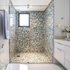 Baños de estilo  por Amanda Pinheiro Design de interiores, Moderno
