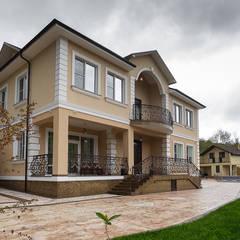 Casas de estilo  por Креазон, Clásico