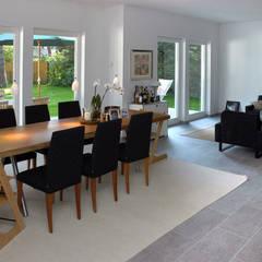 Ein Haus für die ganze Familie:  Esszimmer von Haacke Haus GmbH Co. KG