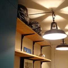 الممر والمدخل تنفيذ Emilie Bouaziz Interior design