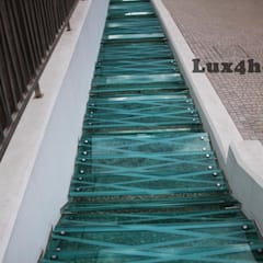 Modern artificial river in the middle of city:  Garden Pond by Lux4home™ Indonesia