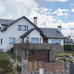 Casa Clásica en Segovia: Casas rurales de estilo  de Canexel