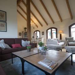 Sala de estar: Salones de estilo  de Canexel