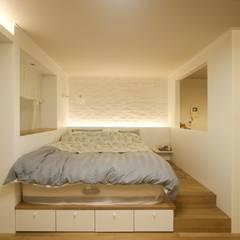 아늑한 느낌의 신혼집 인테리어: 홍예디자인의  침실,