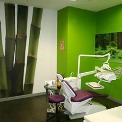 Clinics by SUELOS Y PAREDES SIN OBRAS