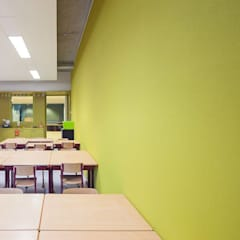 Escuelas de estilo  por SUELOS Y PAREDES SIN OBRAS