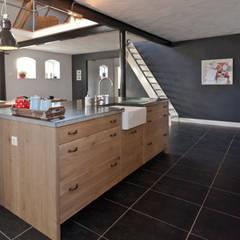 مطبخ تنفيذ Thijs van de Wouw keuken- en interieurbouw, بلدي