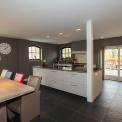 Klassiek strak: klasieke Keuken door Thijs van de Wouw keuken- en interieurbouw