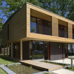 Passivhaus Villa im Park Spreti Neuenhagen bei Berlin:  Passivhaus von ArchitekturWerkstatt Vallentin GmbH