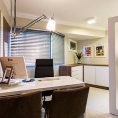 Clinics by ESTUDIO ARK IT, Modern