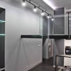 Single loft -- Lofty u Scheiblera, Łódź -- weloftdesign.com Nowoczesna jadalnia od WE LOFT DESIGN Nowoczesny