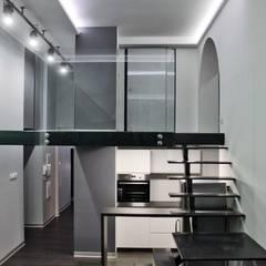 Single loft -- Lofty u Scheiblera, Łódź -- weloftdesign.com Nowoczesne domowe biuro i gabinet od WE LOFT DESIGN Nowoczesny