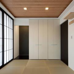 終の棲家: Egawa Architectural Studioが手掛けた和室です。,カントリー