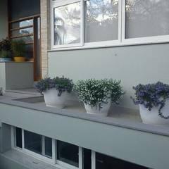 Projeto Residencial: Jardins clássicos por Casa Nova Paisagismo