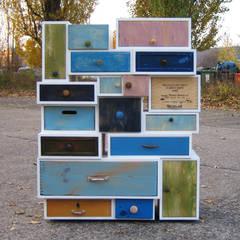 Möbel aus alten Schubkästen I:  Veranstaltungsorte von Selma Serman