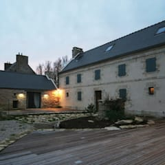 Rénovation d'une longère à Plouhinec: Maisons de style  par LE LAY Jean-Charles