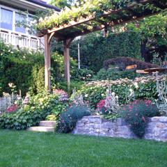 Garden by MASSIMO SEMOLA PROGETTAZIONE GIARDINI MILANO, Eclectic