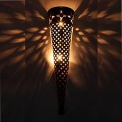 Orientalna żelazna lampa ścienna EWL39: styl , w kategorii Miejsca na imprezy zaprojektowany przez DomRustykalny.pl