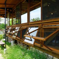 Windows  by 風建築工房
