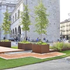 oxINOXONIxo: Giardino in stile  di Glauco Pertoldi - Landscape and Garden Design