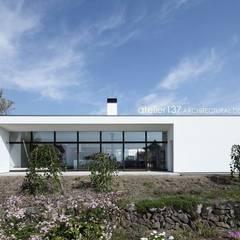 外観~016小諸 I さんの家: atelier137 ARCHITECTURAL DESIGN OFFICEが手掛けた家です。