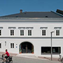 Das offene Amtshaus - Amtshaus Ottensheim:  Veranstaltungsorte von Sue Architekten ZT GmbH