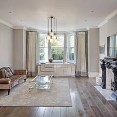 London Art de Vivre:  Media room by Sophie Nguyen Architects Ltd