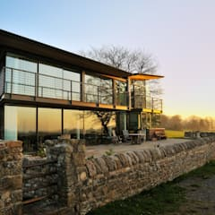 Carreg a Gwydr:  Terrace by Hall + Bednarczyk Architects