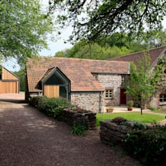 Veddw Farm, Monmouthshire:  Houses by Hall + Bednarczyk Architects