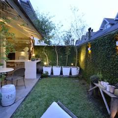 Jardines de estilo  por Tania Bertolucci  de Souza  |  Arquitetos Associados, Moderno