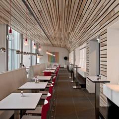 RICOH hoofdkantoor:  Kantoorgebouwen door Derako International B.V., Modern