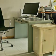 Arbeitszimmer:  Arbeitszimmer von Lena Klanten Architektin