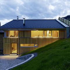 Stallausbau S:  Häuser von HAMMERER ztgmbh . architekten