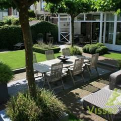 Tuin aan de Oude Rijn:  Tuin door Visser Tuinen,