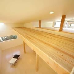 Dormitorios infantiles de estilo  de 建築デザイン工房kocochi空間, Moderno