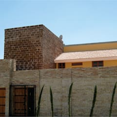 منازل تنفيذ IPALMA ARQUITECTOS,