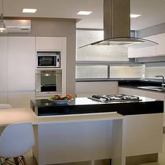 Cocina: Cocinas de estilo  por METODO33