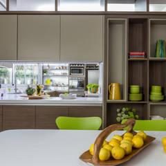 comedor diario: Cocinas de estilo  por GUTMAN+LEHRER ARQUITECTAS