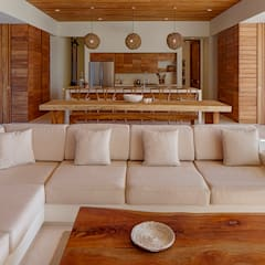 Casa Xixim:  Living room by Specht Architects