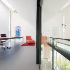 Werkkamer:  Studeerkamer/kantoor door Architect2GO