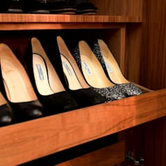 Bespoke shoe cabinet :  Dressing room by In:Style Direct