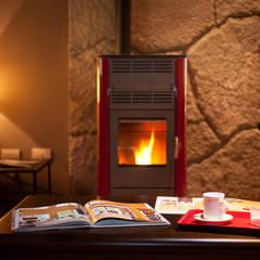 Otros interiores de Patagonia Log Homes: Estudios y oficinas de estilo rural por Patagonia Log Homes